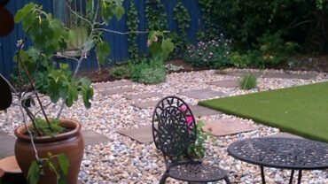 Artificial turf and gravel garden