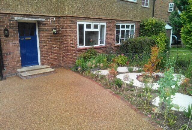 Transforming a front garden to a contemporary drive for Front garden drive designs